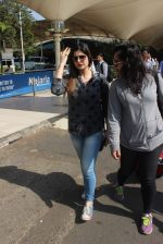 Zarine Khan snapped at the airport on 21st Jan 2016 (24)_56a1de2538bfa.JPG