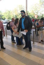 Armaan Kohli snapped at airport on 22nd Jan 2016 (44)_56a3746fa54f6.JPG