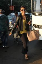 Kajol snapped at airport on 22nd Jan 2016
