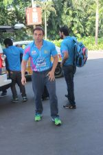 Sohail Khan snapped at airport on 22nd Jan 2016 (69)_56a374cc88729.JPG