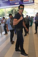 Sonu Sood snapped at airport on 22nd Jan 2016