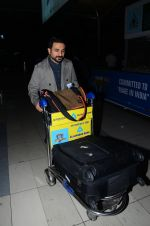 Vir Das snapped at airport on 23rd Jan 2016