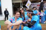 Zarine Khan at CCL match at Bangalore on 23rd Jan 2016 (14)_56a4bf5ad8ec5.JPG