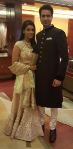 Asin Thottumkal looks stunning at her wedding reception on 24th Jan 2016_56a5e1e25044f.jpg
