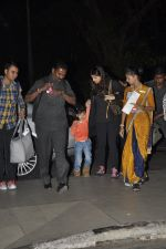 Aishwarya Rai Bachchan, Aradhya Bachchan snapped at the airport on 25th Jan 2016 (2)_56a77351441f8.JPG