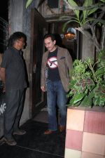 Saif Ali Khan snapped on 25th Jan 2016 (3)_56a774f71c916.JPG