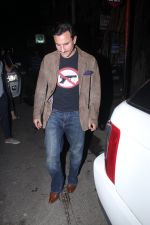 Saif Ali Khan snapped on 25th Jan 2016 (7)_56a774fa393e4.JPG