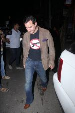 Saif Ali Khan snapped on 25th Jan 2016 (8)_56a774faea4c2.JPG