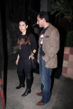 Saif Ali Khan, Karisma Kapoor snapped on 25th Jan 2016 (15)_56a774ff8b600.JPG