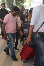 Asin Thottumkal snapped at Airport on 27th Jan 2016 (2)_56a9ccad259c9.JPG