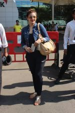 Raveena Tandon snapped at airport  on 27th Jan 2016