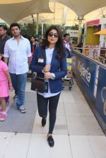 Shriya Saran snapped at airport  on 27th Jan 2016