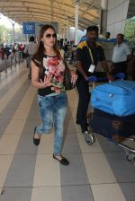 Esha Deol snapped at airport  on 28th Jan 2016