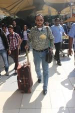 Gulshan Grover snapped at airport  on 28th Jan 2016 (40)_56ab2728ccca5.JPG