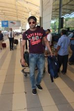 Manish Paul snapped at airport  on 28th Jan 2016