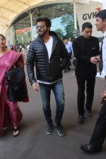 Anil Kapoor snapped at airport  on 29th Jan 2016