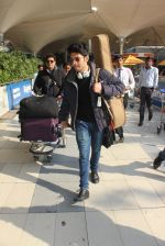 Armaan Malik snapped at airport  on 29th Jan 2016  (48)_56acafee34837.JPG
