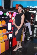 Shruti Seth at Sephora launch  in Mumbai on 29th Jan 2016 (74)_56acb1cfa0005.JPG