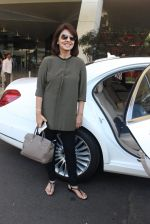 Neetu Singh snapped at airport  on 30th Jan 2016 (45)_56adfa86c5c13.JPG