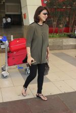 Neetu Singh snapped at airport  on 30th Jan 2016 (49)_56adfa8b9ed14.JPG