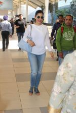 Sophie Chaudhary snapped at airport  on 30th Jan 2016 (19)_56adfaa41978d.JPG