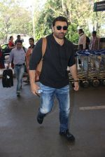 Sunny Deol snapped at airport  on 30th Jan 2016