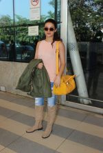 Surveen Chawla snapped at airport  on 30th Jan 2016