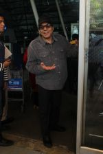Dharmendra snapped at Airport on 31st Jan 2016