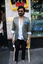 Gaurav Chopra at the launch of The Beer Cafe_56af00ba5aa12.jpg