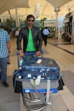 Shabbir Ahluwalia snapped at Airport on 31st Jan 2016 (45)_56af11d820e35.JPG