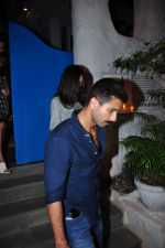 Shahid Kapoor and Mira Rajput on a dinner date at Olive on 31st Jan 2016 (13)_56af0f1a641d2.JPG