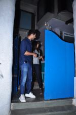 Shahid Kapoor and Mira Rajput on a dinner date at Olive on 31st Jan 2016 (9)_56af0f1704f64.JPG