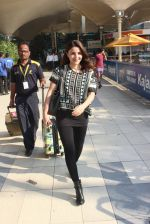 Soha Ali Khan snapped at Airport on 31st Jan 2016