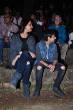Sonali Bendre and son snapped in Mumbai on 31st Jan 2016 (1)_56af0ecc84cf0.JPG