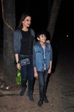 Sonali Bendre and son snapped in Mumbai on 31st Jan 2016 (2)_56af0ecd51fe9.JPG