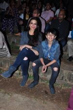 Sonali Bendre and son snapped in Mumbai on 31st Jan 2016 (22)_56af0edb4fcee.JPG