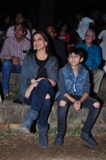 Sonali Bendre and son snapped in Mumbai on 31st Jan 2016 (25)_56af0ede1a162.JPG