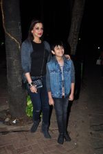 Sonali Bendre and son snapped in Mumbai on 31st Jan 2016 (4)_56af0eceaa357.JPG