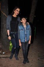 Sonali Bendre and son snapped in Mumbai on 31st Jan 2016