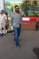 Sunil Shetty snapped at Airport on 31st Jan 2016
