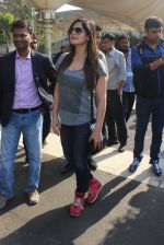 Zarine Khan snapped at Airport on 31st Jan 2016
