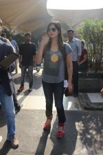 Zarine Khan snapped at Airport on 31st Jan 2016 (30)_56af123a4cfed.JPG