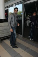 Sidharth Malhotra snapped at airport on 1st Feb 2016 (7)_56b05a9a1f5cb.JPG