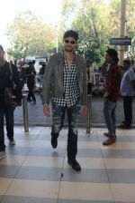 Sidharth Malhotra snapped at airport on 1st Feb 2016