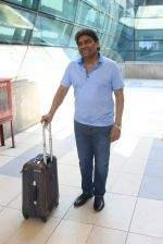 Johnny Lever snapped at airport on 2nd Feb 2016 (18)_56b1b0065c771.JPG