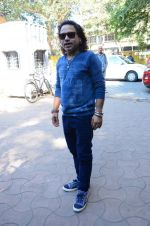 Kailash Kher at a song recording on 2nd Feb 2016 (6)_56b1b279bd63d.JPG