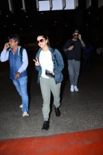 Sunny Leone snapped at airport on 4th Feb 2016