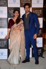 Kajol, Sidharth Malhotra at Lakme fashion week press meet on 4th Feb 2016 (100)_56b4532bd3bf1.JPG