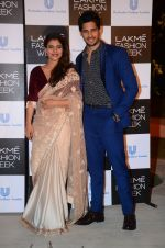 Kajol, Sidharth Malhotra at Lakme fashion week press meet on 4th Feb 2016 (104)_56b45330da45a.JPG