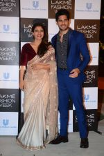 Kajol, Sidharth Malhotra at Lakme fashion week press meet on 4th Feb 2016 (98)_56b4532ab292d.JPG